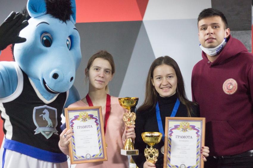 Студенты Юридического института приняли участие в  Кубке Лиги студентов АГУ по картингу