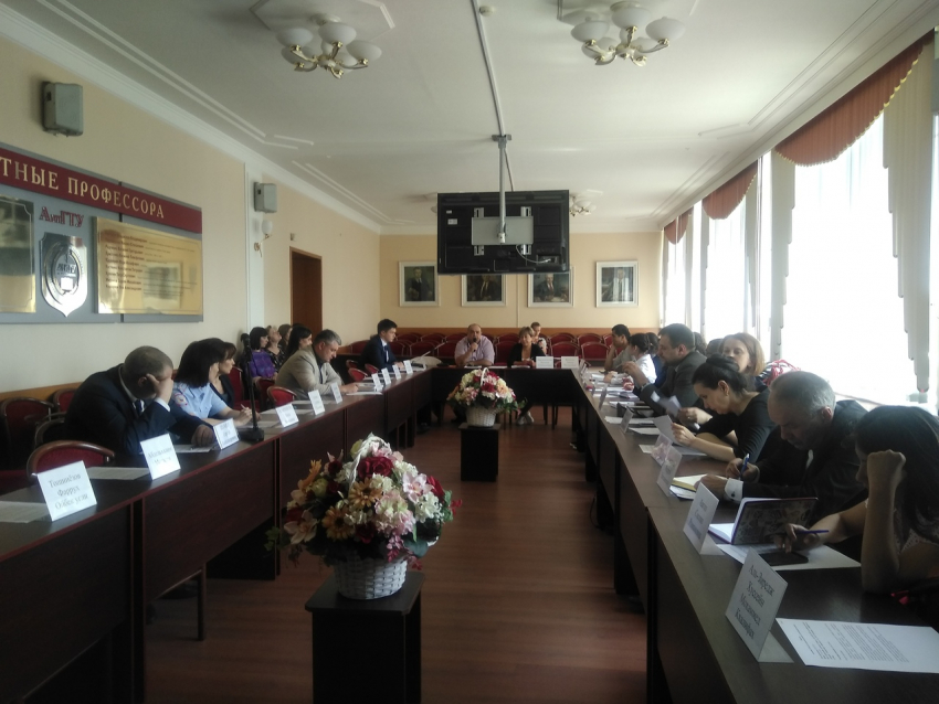 Представители ЮИ приняли участие в заседании Совета по делам иностранной студенческой молодежи