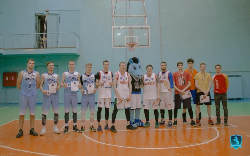 Команды Юридического института АлтГУ заняли призовые и победные места на внутривузовском этапе Чемпионата АССК России среди студентов АлтГУ по баскетболу 3х3